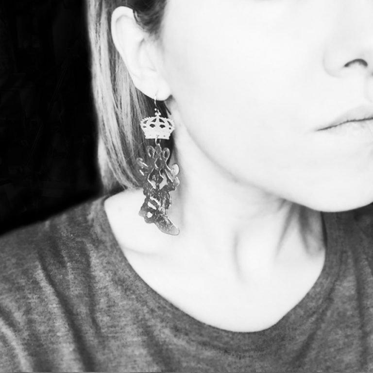 MM orecchini logo 900
