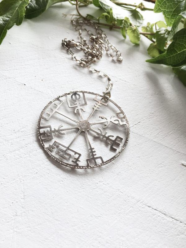vegvisir maxi charm silver necklace