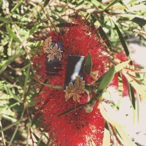 acanthus tag golden black 900