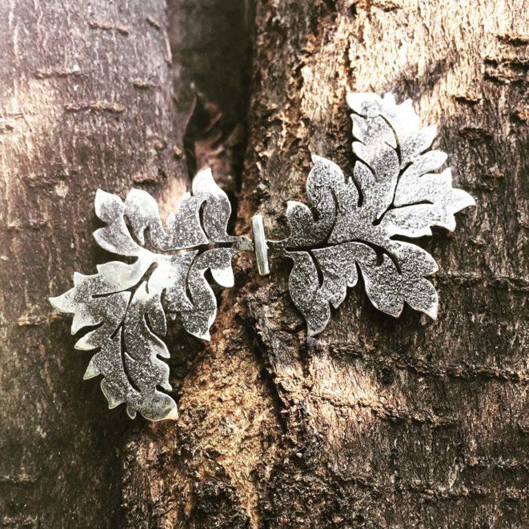 silver leaves papillon