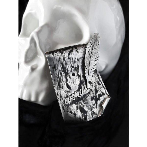 blah blah brooch skull 900