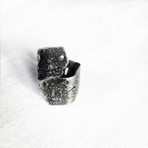 silver skin ring texture