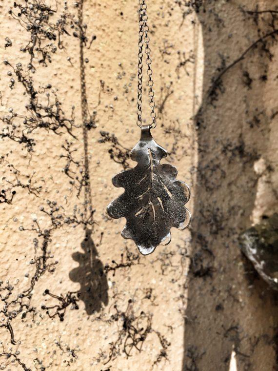 oak necklace wall