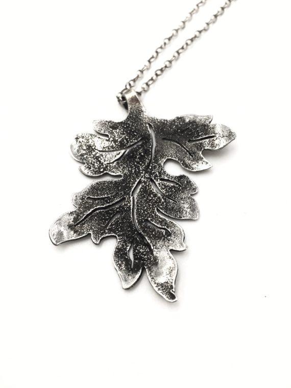 acanthus necklace