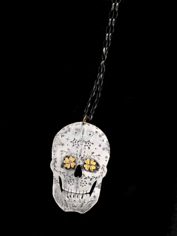 golden luck sugarskull black back