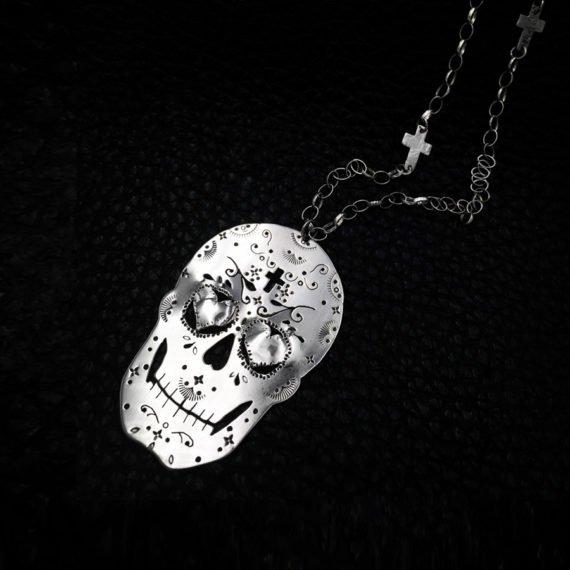 leaves crosses black skull 900